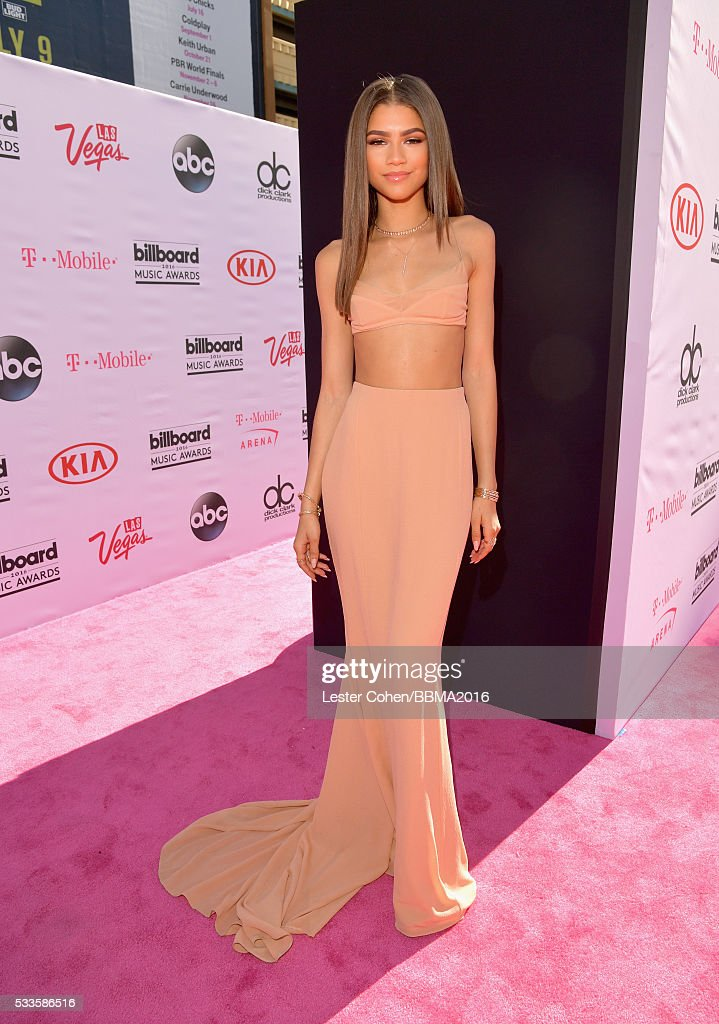 actresssinger-zendaya-attends-the-2016-billboard-music-awards-at-on-picture-id533586516