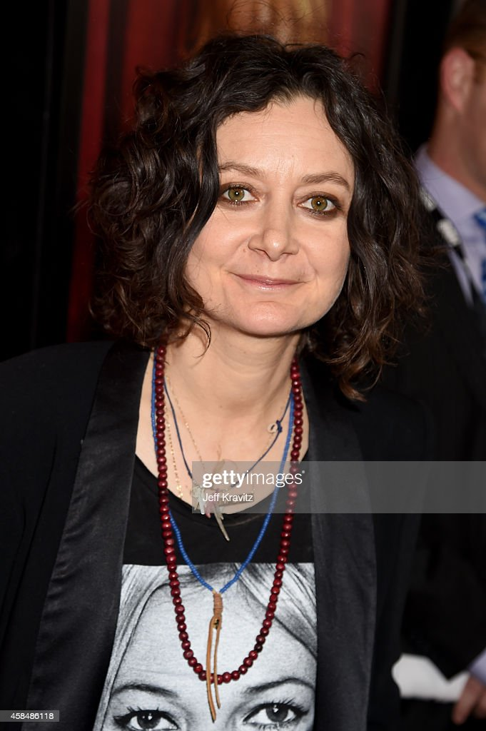 Actress/TV personality Sara Gilbert attends the premiere of HBO's 'The Comeback' at the El Capitan Theatre on November 5, 2014 in Hollywood, California.