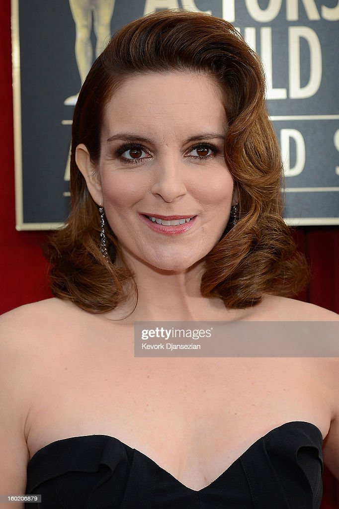 Actress/writer Tina Fey arrives at the 19th Annual Screen Actors Guild Awards held at The Shrine Auditorium on January 27, 2013 in Los Angeles, California.