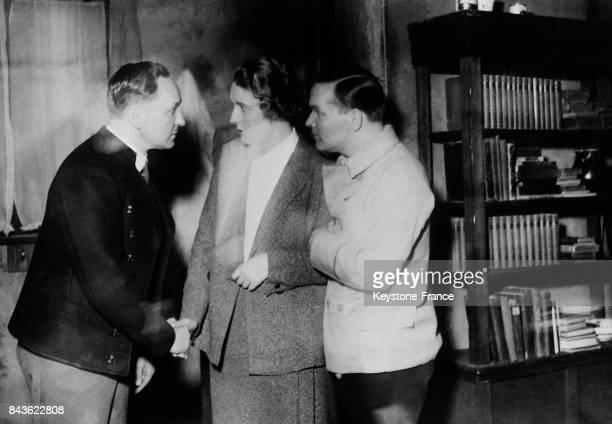 L'actrice allemande Emy Sonnemann fiancée de Goering photographiée dans une pièce à Berlin Allemagne en 1934