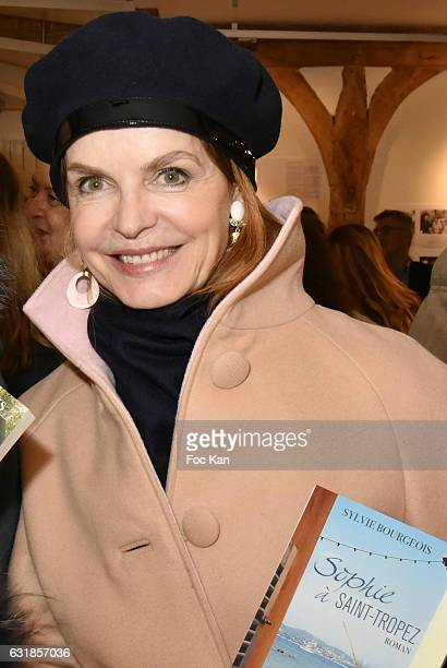 Actrice Cyrielle Clair attends 'Sylvie A Saint Tropez' Sylvie Bourgeois Harel Book Signing at Librairie Des Femmes on January 16 2017 in Paris France