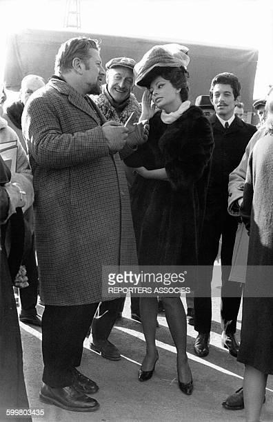 L'actrice italienne Sophia Loren avec le réalisateur britannique Peter Ustinov en 1965 au RoyaumeUni
