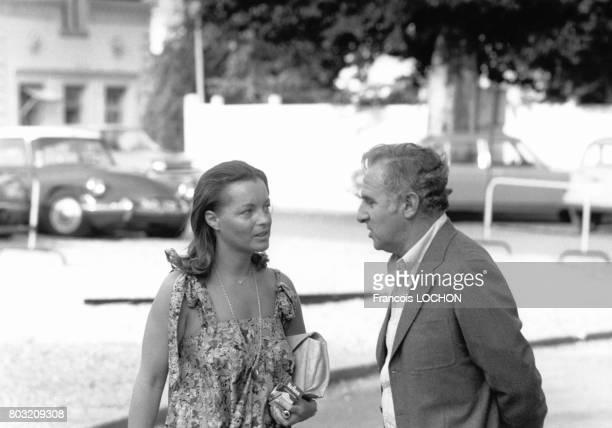 L'actrice Romy Schneider et le réalisateur Claude Sautet lors du tournage du film 'Mado' en 1976 en France