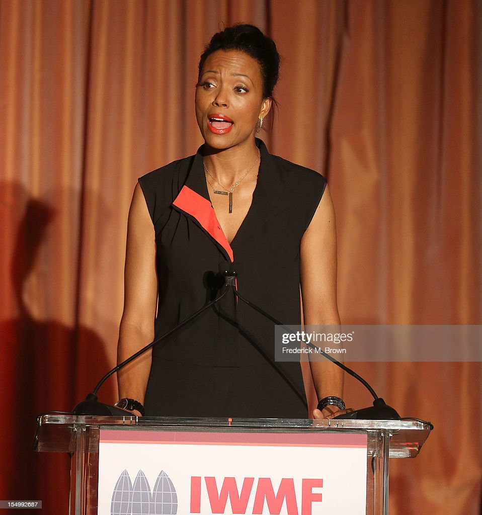 Actrress <a gi-track='captionPersonalityLinkClicked' href=/galleries/search?phrase=Aisha+Tyler&family=editorial&specificpeople=202262 ng-click='$event.stopPropagation()'>Aisha Tyler</a> attends the 2012 International Women's Media Foundation's Courage In Journalism Awards at The Beverly Hills Hotel on October 29, 2012 in Beverly Hills, California.