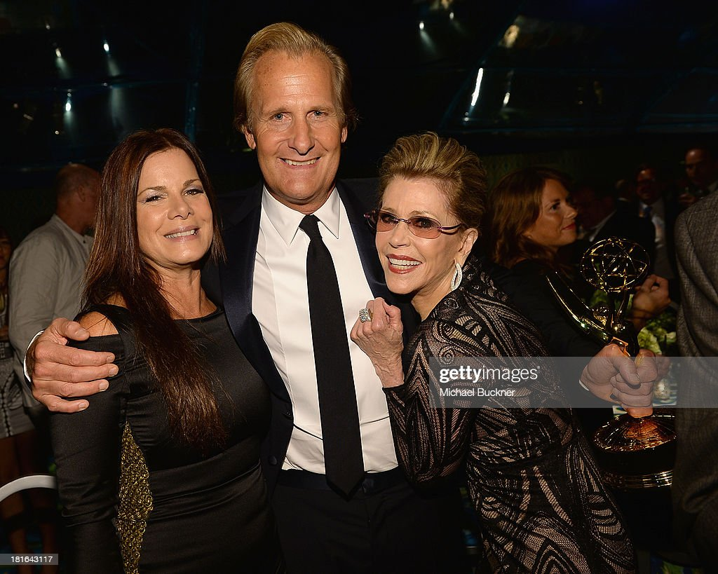 Actrss <a gi-track='captionPersonalityLinkClicked' href=/galleries/search?phrase=Marcia+Gay+Harden&family=editorial&specificpeople=202089 ng-click='$event.stopPropagation()'>Marcia Gay Harden</a>, actor Jeff Daniels and actress <a gi-track='captionPersonalityLinkClicked' href=/galleries/search?phrase=Jane+Fonda&family=editorial&specificpeople=202174 ng-click='$event.stopPropagation()'>Jane Fonda</a> attend HBO's Annual Primetime Emmy Awards Post Award Reception at The Plaza at the Pacific Design Center on September 22, 2013 in Los Angeles, California.