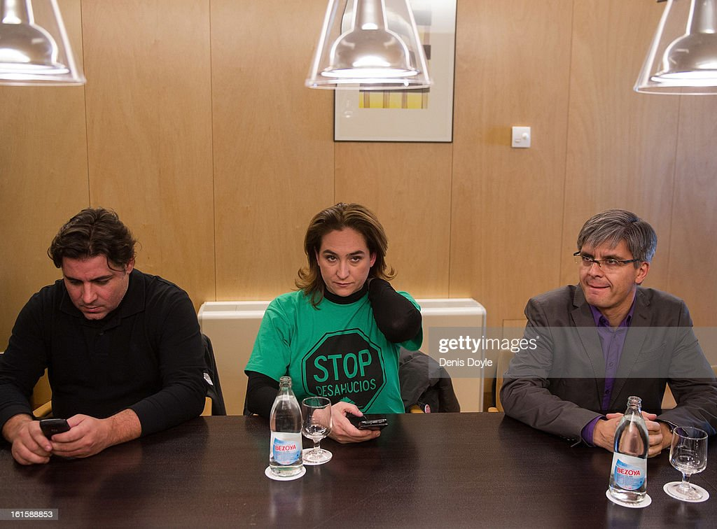 Ada Colau (C), and colleagues from the 'Stop Evictions' (Plataforma de Afectados por la Hipoteca) attend a meeting with representatives of the ruling Popular Party, at Popular Party offices on February 12, 2013 in Madrid, Spain. The pressure group is trying to persuade the government to hold a parliamentary debate over the need to change the mortgage laws and stop evictions of home owners unable to keep up the their monthly payments to the banks.