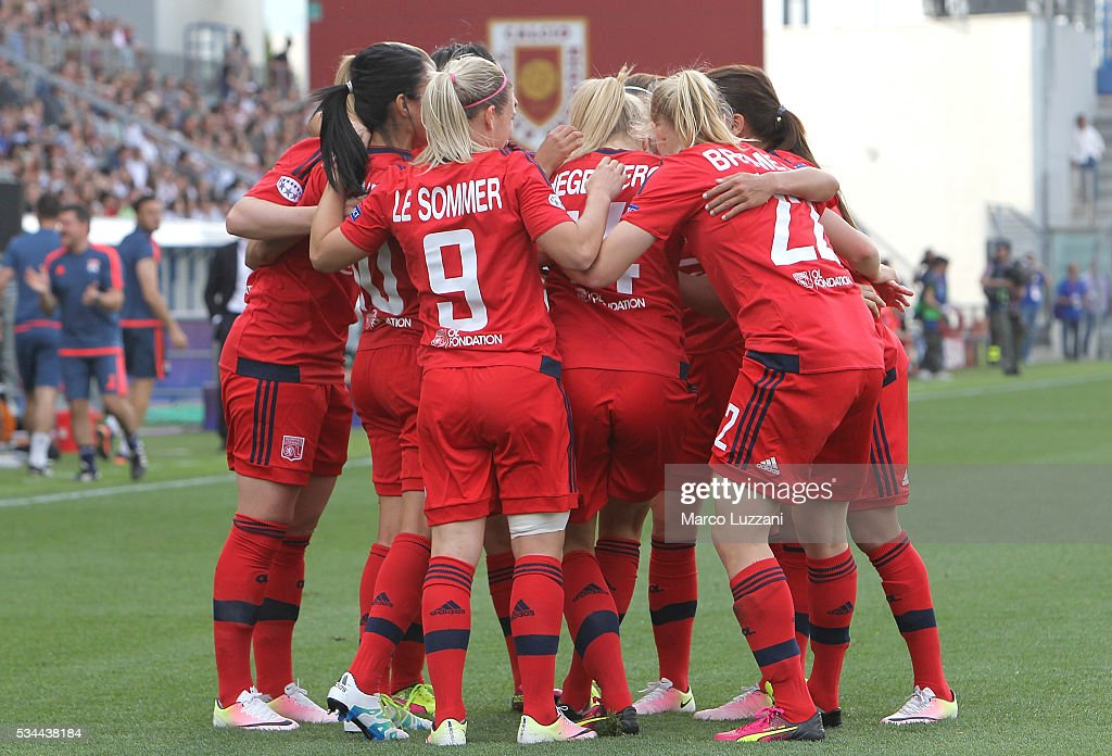 <a gi-track='captionPersonalityLinkClicked' href=/galleries/search?phrase=Ada+Hegerberg&family=editorial&specificpeople=9647012 ng-click='$event.stopPropagation()'>Ada Hegerberg</a> of Olympique Lyonnais celebrates her goal with his team-mates during the UEFA Women's Champions League Final VfL Wolfsburg and Olympique Lyonnais between at Mapei Stadium - Citta' del Tricolor on May 26, 2016 in Reggio nell'Emilia, Italy.