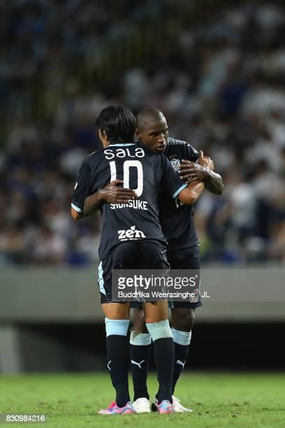 Adailton and Shunsuke Nakamura of Jubilo Iwata celebrate their 20 victory in the JLeague J1 match between Gamba Osaka and Jubilo Iwata at Suita City...