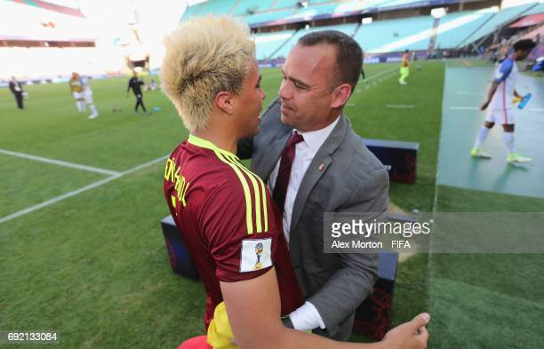 Adalberto Penaranda of Venezuela celebrates at the final whistle with coach Rafael Dudamel during the FIFA U20 World Cup Korea Republic 2017 Quarter...