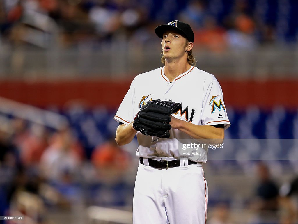 Adam Conley #61 of the Miami Marlins looks on during the game against the Arizona Diamondbacks at Marlins Park on May 5, 2016 in Miami, Florida.