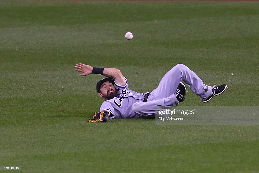 <a gi-track='captionPersonalityLinkClicked' href=/galleries/search?phrase=Adam+Eaton&family=editorial&specificpeople=210898 ng-click='$event.stopPropagation()'>Adam Eaton</a> #1 of the Chicago White Sox misplays a fly ball in the sixth inning against the St. Louis Cardinals during an interleague game at Busch Stadium on July 1, 2015 in St. Louis, Missouri.