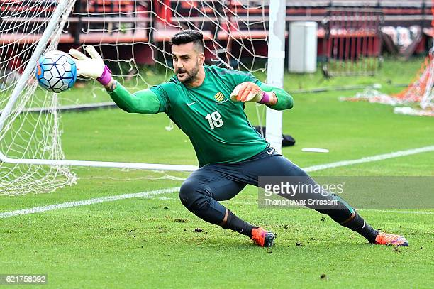 Adam Federici in action during an Australia Socceroos training session at SCG Stadium on November 8 2016 in Bangkok Thailand