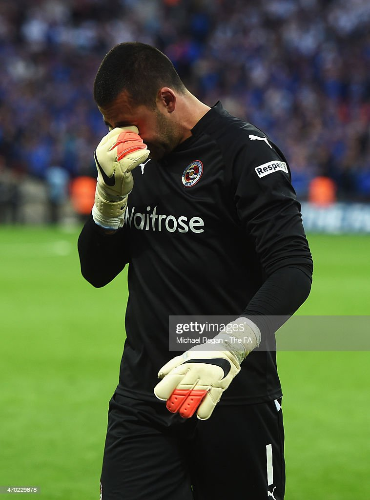 <a gi-track='captionPersonalityLinkClicked' href=/galleries/search?phrase=Adam+Federici&family=editorial&specificpeople=886953 ng-click='$event.stopPropagation()'>Adam Federici</a> of Reading reacts after the team lost the FA Cup Semi-Final match between Arsenal and Reading at Wembley Stadium on April 18, 2015 in London, England.