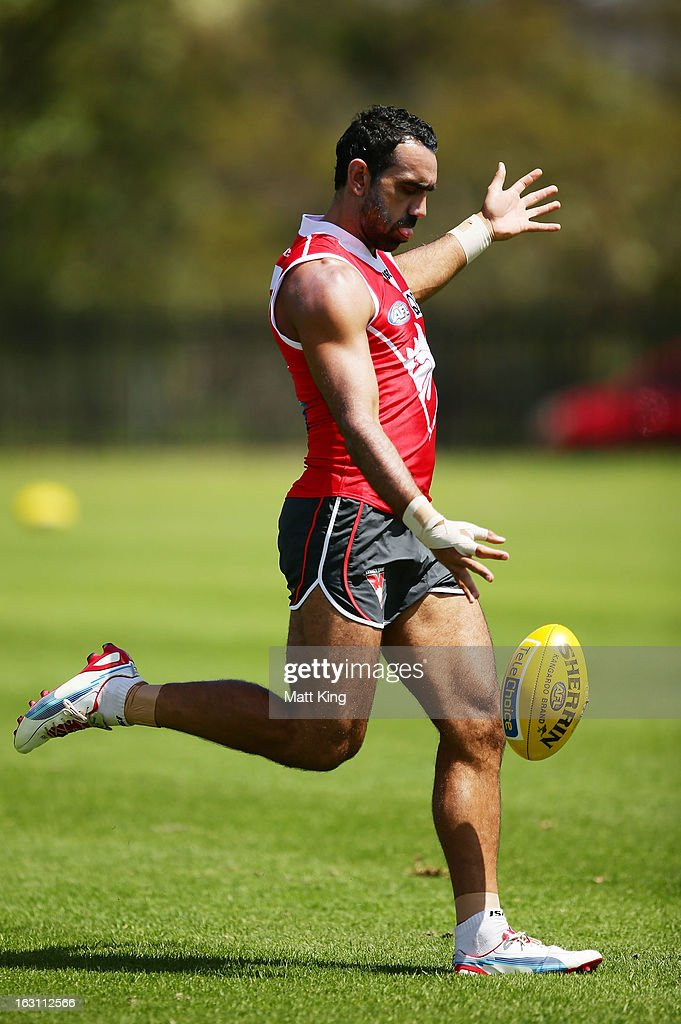 <a gi-track='captionPersonalityLinkClicked' href=/galleries/search?phrase=Adam+Goodes&family=editorial&specificpeople=206473 ng-click='$event.stopPropagation()'>Adam Goodes</a> kicks during a Sydney Swans AFL training session at Lakeside Oval on March 5, 2013 in Sydney, Australia.