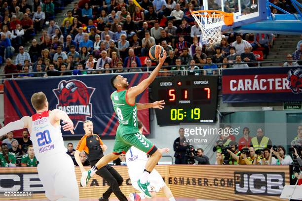 Adam Hanga #8 of Baskonia Vitoria Gasteiz in action during the 2016/2017 Turkish Airlines EuroLeague Playoffs leg 3 game between Baskonia Vitoria...