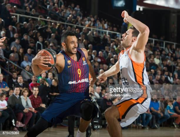 Adam Hanga #9 of FC Barcelona Lassa in action during the 2017/2018 Turkish Airlines EuroLeague Regular Season Round 8 game between FC Barcelona Lassa...