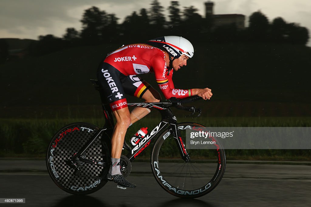 <a gi-track='captionPersonalityLinkClicked' href=/galleries/search?phrase=Adam+Hansen&family=editorial&specificpeople=4105944 ng-click='$event.stopPropagation()'>Adam Hansen</a> of Australia and Lotto-Belisol in action during the twelfth stage of the 2014 Giro d'Italia, a 42km Individual Time Trial stage between Barbarasco and Barolo on May 22, 2014 in Barbarasco, Italy.