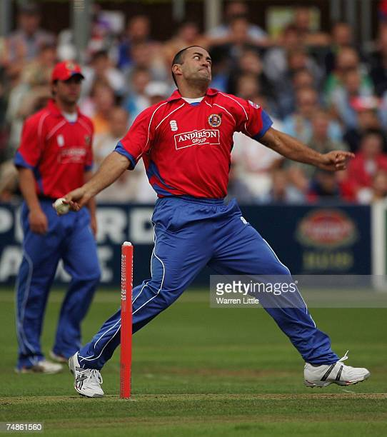 Adam Hollioake of Essex Eagles bowls during the Twenty20 match between Essex Eagles and Sussex Sharks at the County Ground on June 22 2007 in...