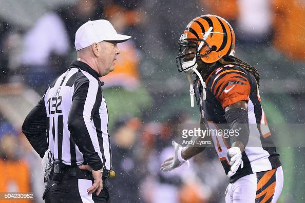 Adam Jones of the Cincinnati Bengals argues a call with referee John Parry in the fourth quarter against the Pittsburgh Steelers during the AFC Wild...