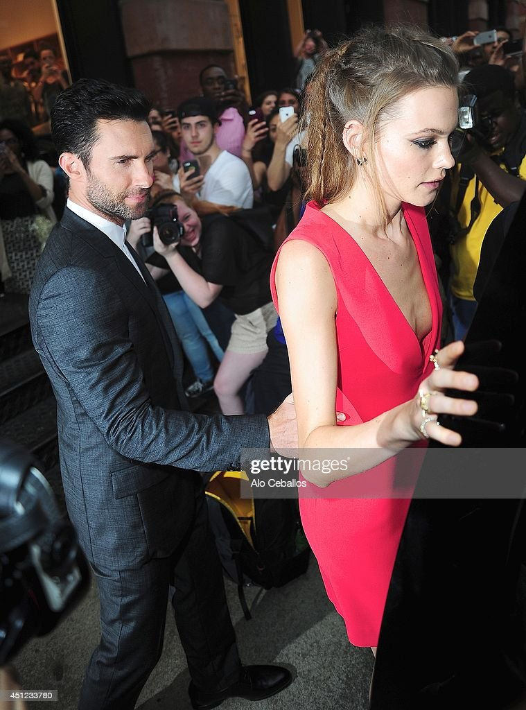 <a gi-track='captionPersonalityLinkClicked' href=/galleries/search?phrase=Adam+Levine+-+Singer&family=editorial&specificpeople=202962 ng-click='$event.stopPropagation()'>Adam Levine</a> and <a gi-track='captionPersonalityLinkClicked' href=/galleries/search?phrase=Behati+Prinsloo&family=editorial&specificpeople=4319064 ng-click='$event.stopPropagation()'>Behati Prinsloo</a> are seen in Soho on June 25, 2014 in New York City.