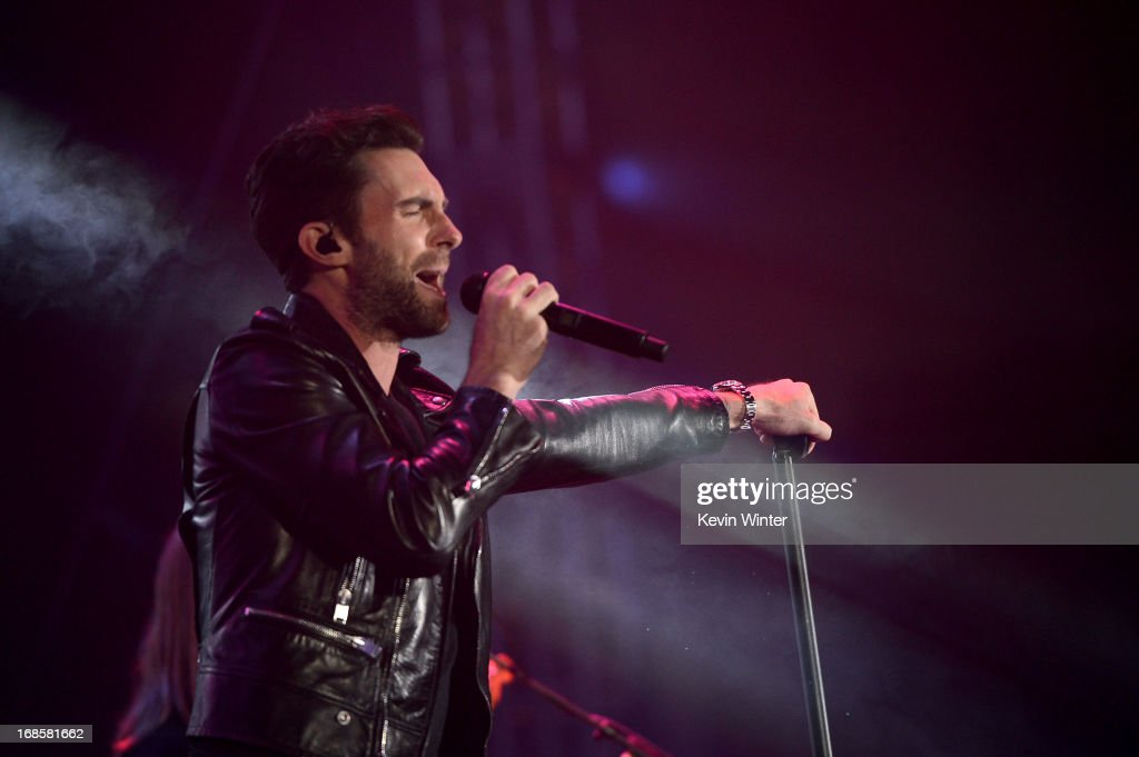 <a gi-track='captionPersonalityLinkClicked' href=/galleries/search?phrase=Adam+Levine+-+Singer&family=editorial&specificpeople=202962 ng-click='$event.stopPropagation()'>Adam Levine</a> of Maroon 5 performs at 102.7 KIIS FM's Wango Tango 2013 held at The Home Depot Center on May 11, 2013 in Carson, California.