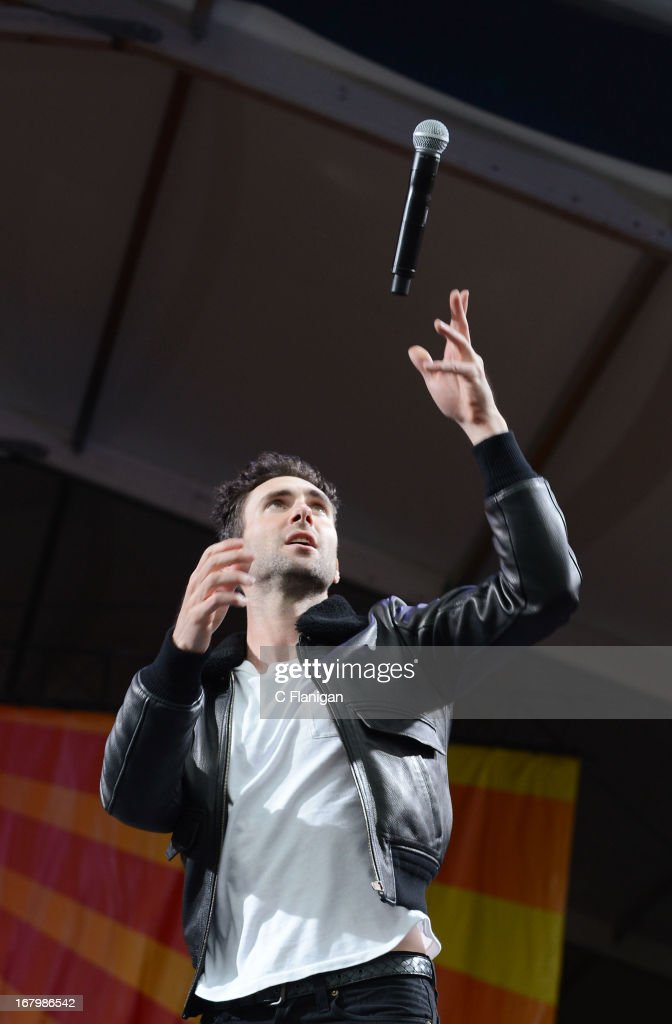 <a gi-track='captionPersonalityLinkClicked' href=/galleries/search?phrase=Adam+Levine+-+Singer&family=editorial&specificpeople=202962 ng-click='$event.stopPropagation()'>Adam Levine</a> of Maroon 5 performs during the 2013 New Orleans Jazz & Heritage Music Festival at Fair Grounds Race Course on May 3, 2013 in New Orleans, Louisiana.