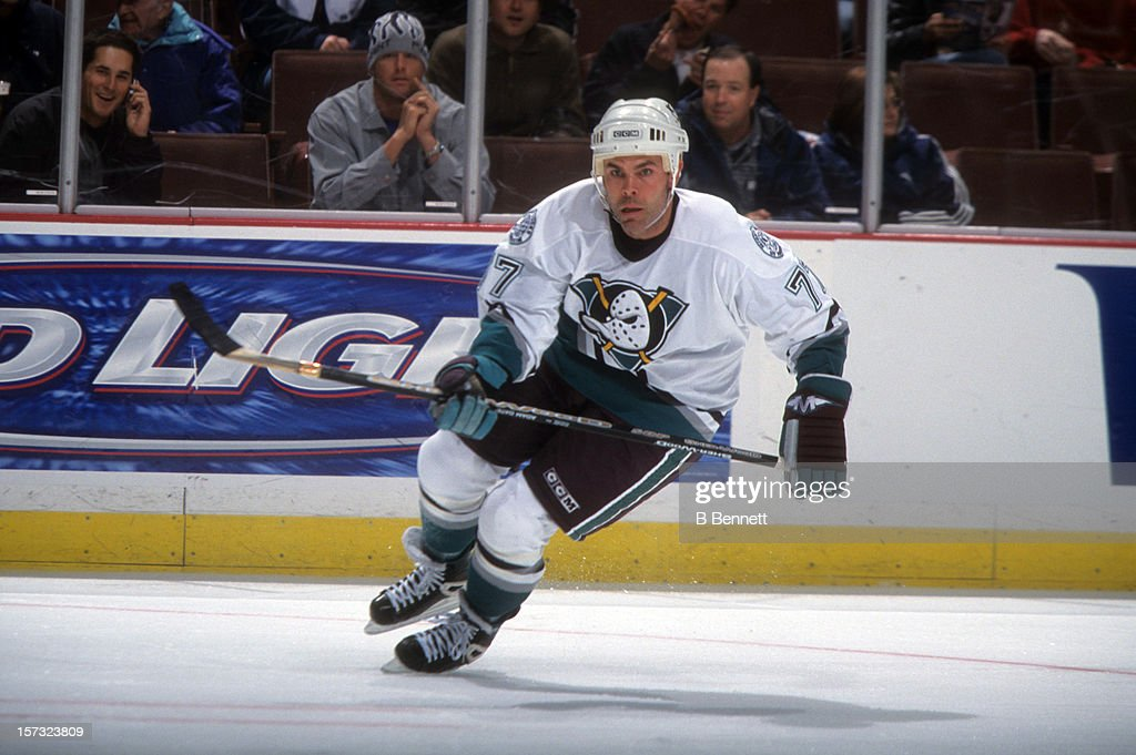 Adam Oates of the Mighty Ducks of Anaheim skates on the ice during an NHL game circa 2003 at the Arrowhead Pond of Anahem in Anaheim California