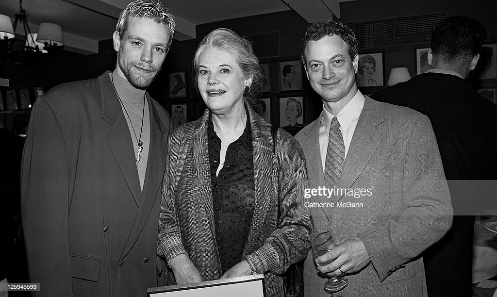Adam Pascal Lois Smith and Gary Sinise pose for a photo at the Tony Award Nominations in 1996 in New York City New York