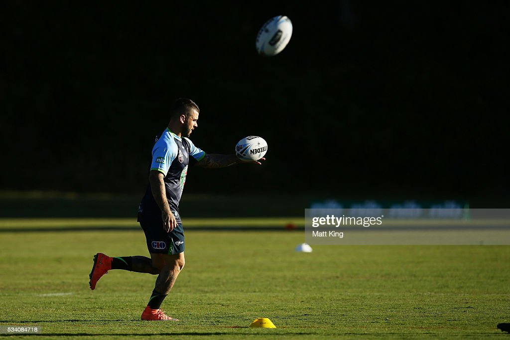 <a gi-track='captionPersonalityLinkClicked' href=/galleries/search?phrase=Adam+Reynolds+-+Rugby+Player&family=editorial&specificpeople=12886494 ng-click='$event.stopPropagation()'>Adam Reynolds</a> of the Blues warms up during a New South Wales Blues State of Origin training session on May 25, 2016 in Coffs Harbour, Australia.