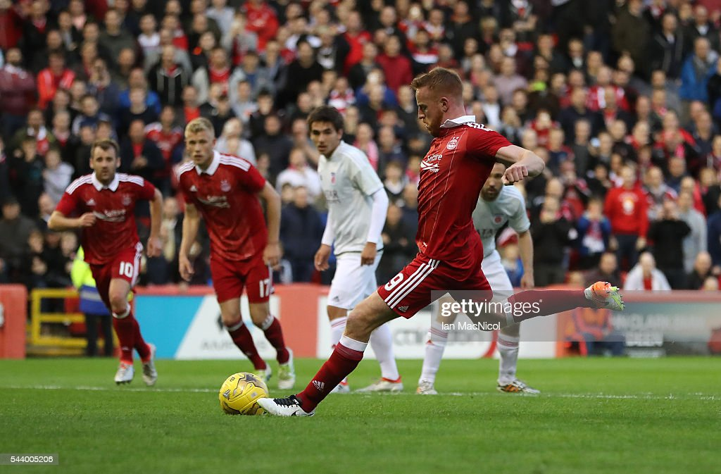 Adam Rooney of Aberdeen scores a penalty during the UEFA Europa League First Qualifying Round, First Leg match between Aberdeen and CS Fola Esch at Pittodrie Stadium on June 30, 2016 in Aberdeen, Scotland.