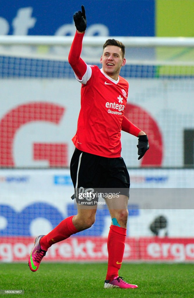 <a gi-track='captionPersonalityLinkClicked' href=/galleries/search?phrase=Adam+Szalai&family=editorial&specificpeople=2344504 ng-click='$event.stopPropagation()'>Adam Szalai</a> of Mainz celebrates his goal during the Bundesliga match between SpVgg Greuther Fuerth and 1. FSV Mainz 05 at Trolli-Arena on January 26, 2013 in Fuerth, Germany.