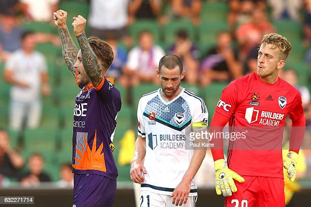 Adam Taggart of the Glory celebrates winning the round 16 ALeague match between Perth Glory and Melbourne Victory at nib Stadium on January 21 2017...