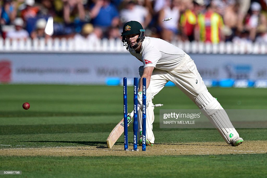 Adam Voges of Australia makes his ground safely as New Zealand attempt to run him out during day two of the first cricket Test match between New Zealand and Australia at the Basin Reserve in Wellington on February 13, 2016. AFP PHOTO / MARTY MELVILLE / AFP / Marty Melville