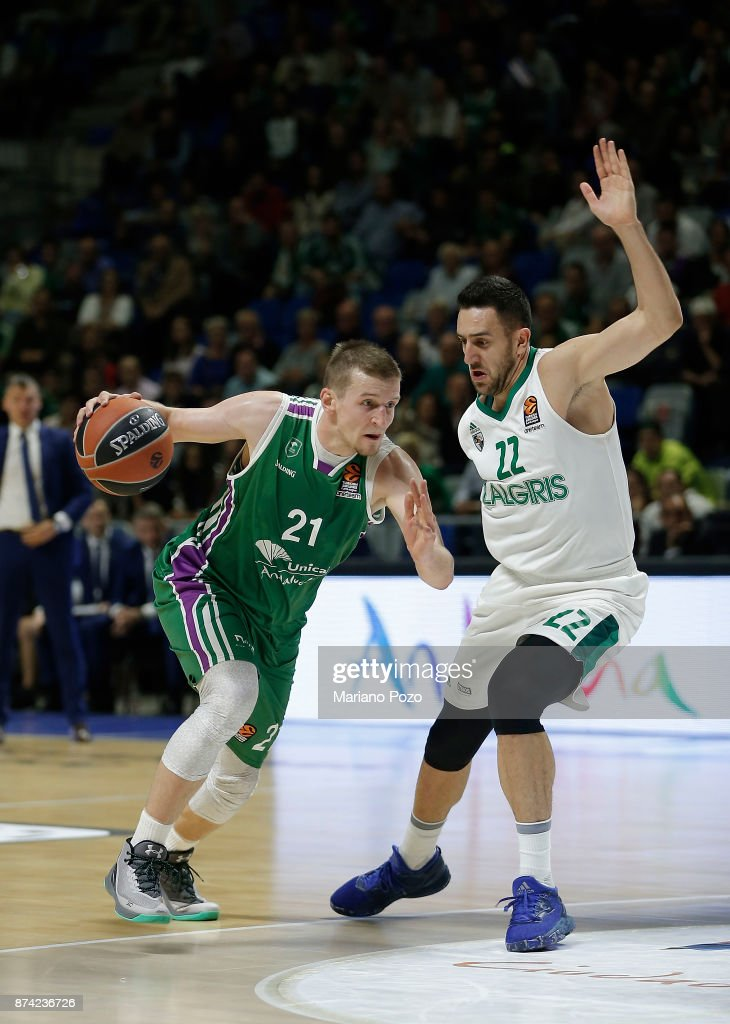Adam Waczynski, #21 of Unicaja Malaga in action during the 2017/2018 Turkish Airlines EuroLeague Regular Season Round 7 game between Unicaja Malaga and Zalgiris Kaunas at Martin Carpena Arena on November 14, 2017 in Malaga, Spain.
