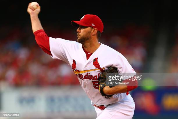 Adam Wainwright of the St Louis Cardinals delivers a pitch against the Atlanta Braves in the first inning at Busch Stadium on August 11 2017 in St...
