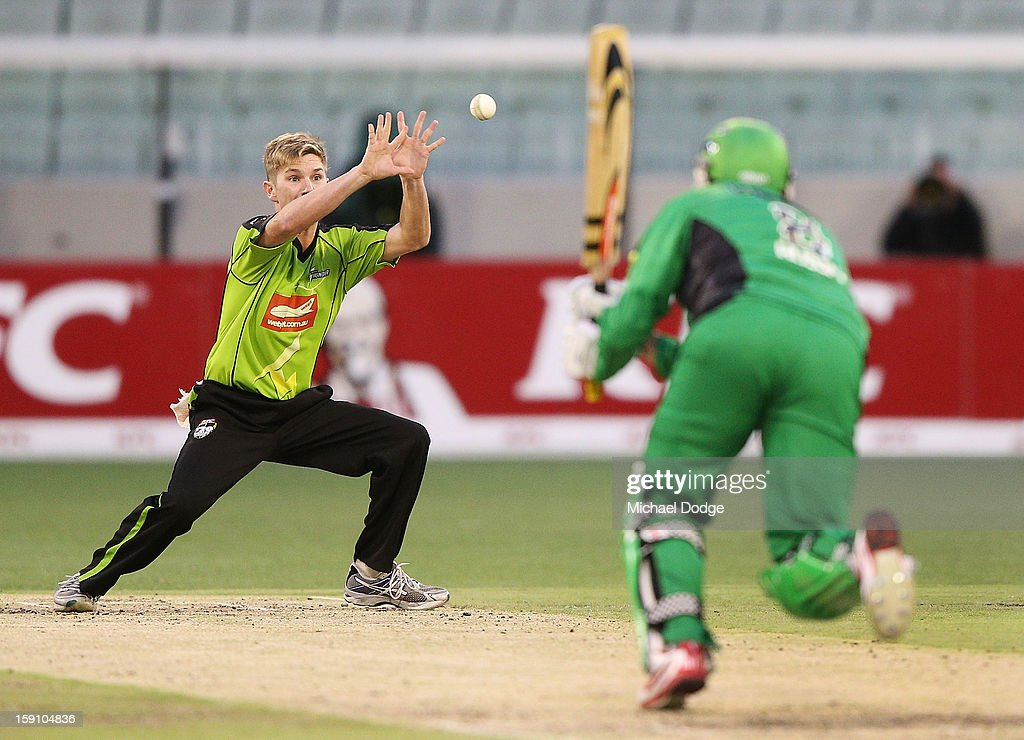 Adam Zampa of the Sydney Thunder misses a catch to dismiss David Hussey of the Melbourne Stars during the Big Bash League match between the Melbourne Stars and the Sydney Thunder at Melbourne Cricket Ground on January 8, 2013 in Melbourne, Australia.