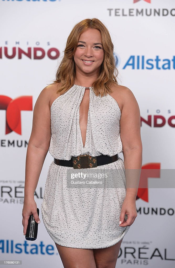 Adamari Lopez arrives for Telemundo's Premios Tu Mundo Awards at American Airlines Arena on August 15, 2013 in Miami, Florida.