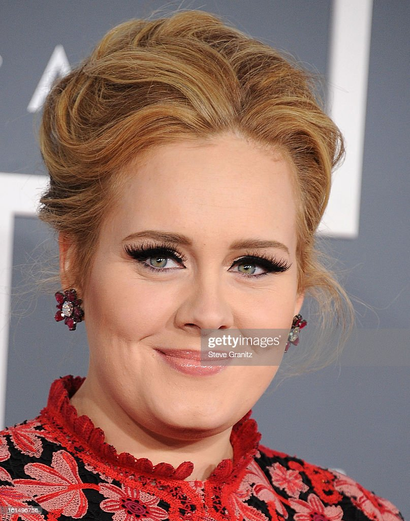 <a gi-track='captionPersonalityLinkClicked' href=/galleries/search?phrase=Adele+-+S%C3%A5ngerska&family=editorial&specificpeople=4898935 ng-click='$event.stopPropagation()'>Adele</a> arrives at the The 55th Annual GRAMMY Awards on February 10, 2013 in Los Angeles, California.