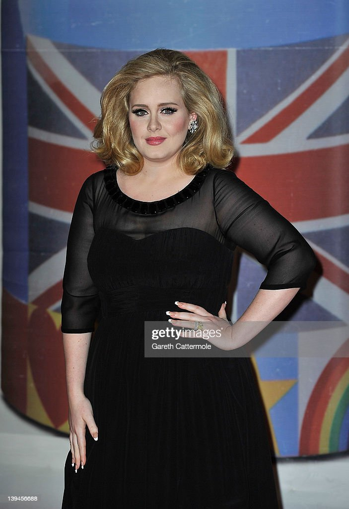 <a gi-track='captionPersonalityLinkClicked' href=/galleries/search?phrase=Adele+-+Cantante&family=editorial&specificpeople=4898935 ng-click='$event.stopPropagation()'>Adele</a> attends The BRIT Awards 2012 at the O2 Arena on February 21, 2012 in London, England.