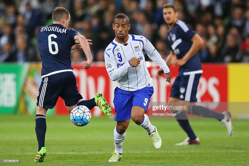 Ademilson of Gamba Osaka (R) and <a gi-track='captionPersonalityLinkClicked' href=/galleries/search?phrase=Leigh+Broxham&family=editorial&specificpeople=4103215 ng-click='$event.stopPropagation()'>Leigh Broxham</a> of the Victory compete for the ball during the AFC Champions League match between Melbourne Victory and Gamba Osaka at AAMI Park on May 3, 2016 in Melbourne, Australia.