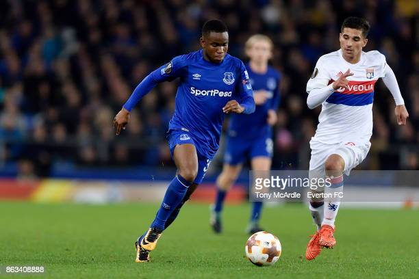 Ademola Lookman of Everton and Houssem Aouar challenge for the ball during the UEFA Europa League group E match between Everton and Olympique Lyon at...