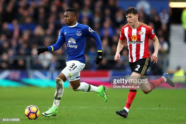 Ademola Lookman of Everton in action with Billy Jones of Sunderland during the Premier League match between Everton and Sunderland at Goodison Park...