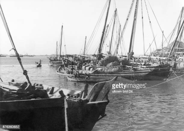 Aden Dhows in the harbour ready for the Red Sea journey BOAC Photograph