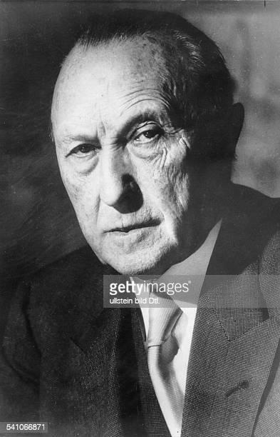 Adenauer Konrad *05011876Politiker CDU BRDPorträt 1957