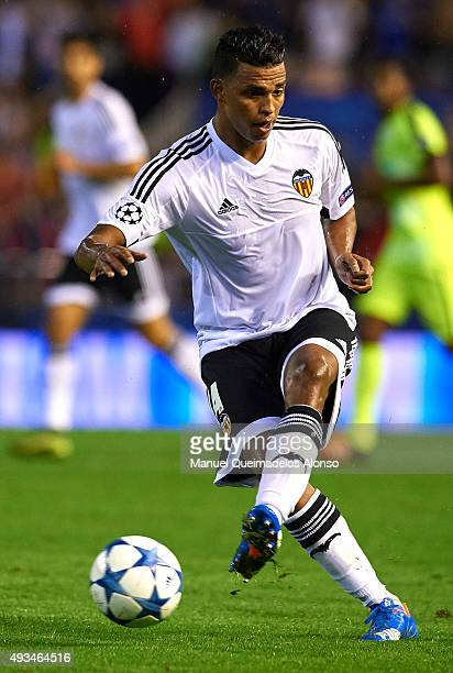Aderlan Santos of Valencia in action during the UEFA Champions League Group H match between Valencia CF and KAA Gent at the Estadi de Mestalla on...
