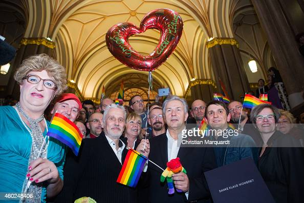 Ades Zabel Joern Kubicki Klaus Wowereit Joerg Steinert and Ute Hiller congratulate Berlin Mayor Klaus Wowereit on his 13 years as mayor of the city...