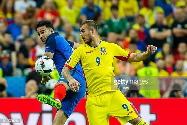 Freitag Europameisterschaft in Frankreich SaintDenis Frankreich Rumaenien 21 Adil Rami gegen Denis Alibec