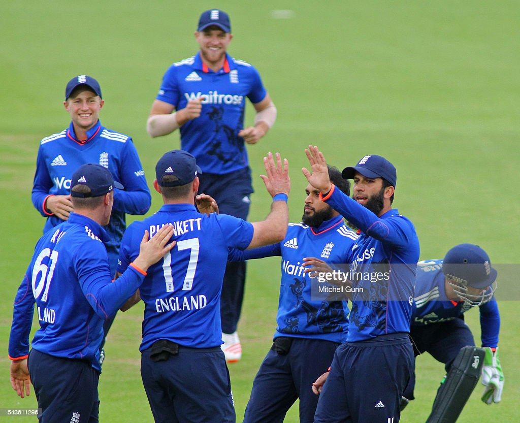 <a gi-track='captionPersonalityLinkClicked' href=/galleries/search?phrase=Adil+Rashid&family=editorial&specificpeople=870228 ng-click='$event.stopPropagation()'>Adil Rashid</a> of England celebrates taking the wicket of Kusal Mendis of Sri Lanka caught by <a gi-track='captionPersonalityLinkClicked' href=/galleries/search?phrase=Liam+Plunkett&family=editorial&specificpeople=535638 ng-click='$event.stopPropagation()'>Liam Plunkett</a> during the 4th Royal London One-Day International between England and Sri Lanka at The Kia Oval Cricket Ground on June 29, 2016 in London, England.