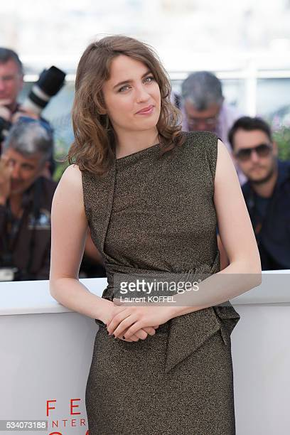 Adèle Haenel attends 'The Unknown Girl ' Photocall during the 69th annual Cannes Film Festival at the Palais des Festivals on May 18 2016 in Cannes...
