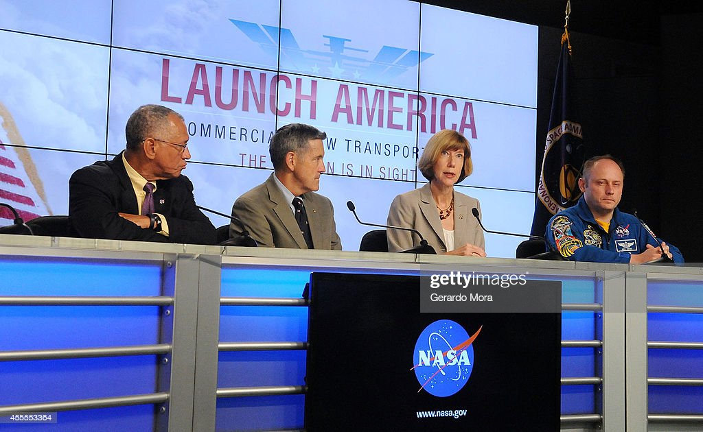 NASA administrator <a gi-track='captionPersonalityLinkClicked' href=/galleries/search?phrase=Charles+Bolden+-+NASA-administrat%C3%B6r&family=editorial&specificpeople=15164541 ng-click='$event.stopPropagation()'>Charles Bolden</a>, Kennedy Space Center Director Bob Cabana, Commercial Crew Program Manager Kathy Lueders and Astronaut Mike Fincke attend a NASA press conference at the Kennedy Space Center on September 16, 2014 in Cape Canaveral, Florida. NASA announced the return of human spaceflight launches to the United States.